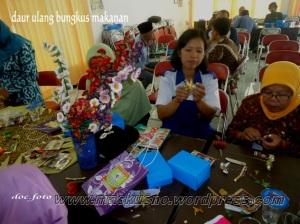 kerajinan limbah bungkus makan (1)